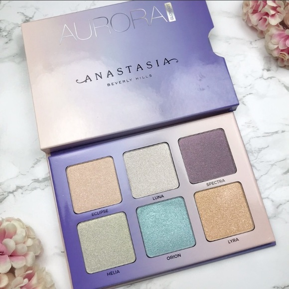 Anastasia Beverly Hills Other - ANASTASIA BEVERLY HILLS AURORA GLOW KIT